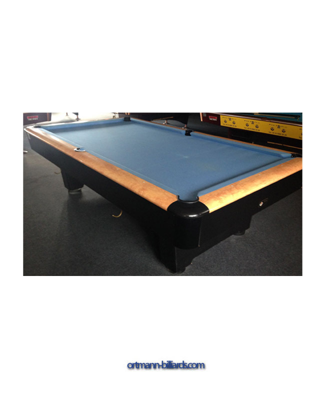 Merveilleux Pool Table
